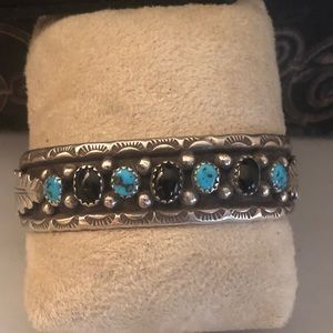 Jewelry - Vintage Native American SS/onyx/turquoise cuff